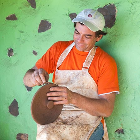 Pottenbakker in El Cercado, La Gomera